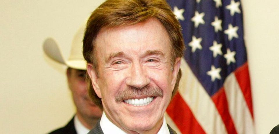 Chuck Norris SMS Jokes – Laugh at Short Funny Jokes